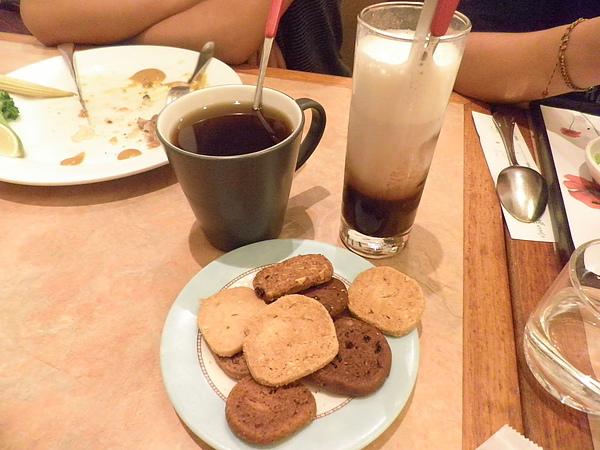 八寶茶&巧克歐雷&招待的小餅乾