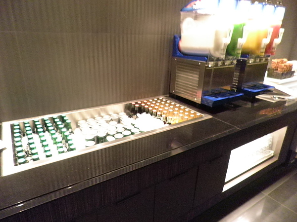 瓶裝汽水、啤酒&冰沙區