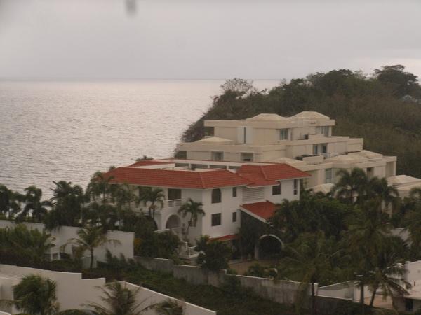 這應該算關島的豪宅吧