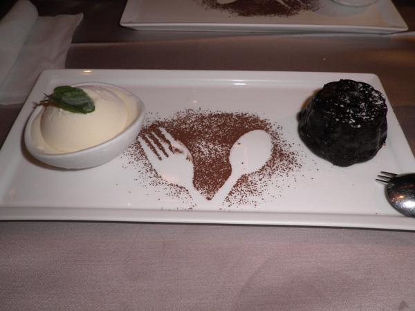 甜點-烤濃漿巧克力冰淇淋
