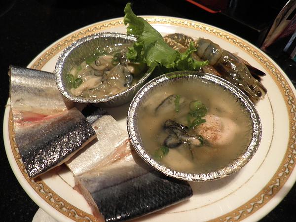 小海鮮(東石鮮蚵+鮮蝦+秋刀魚_