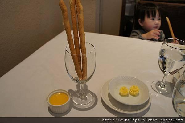 麵包棒、柳橙醬