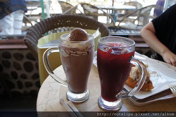 巧克力漂浮&冰花果茶
