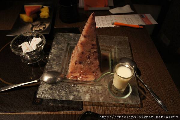 金字塔紅豆冰堡