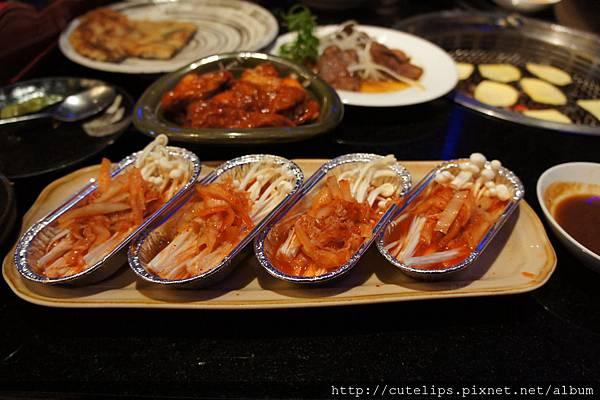 泡菜金針菇