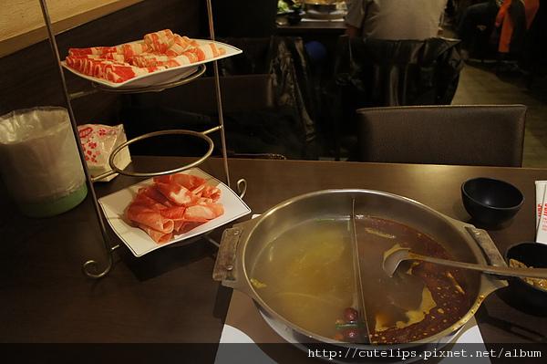 鴛鴦鍋&肉品
