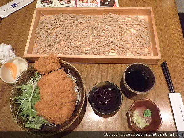 炸雞排醬蓋飯+木盒蕎麥麵套餐