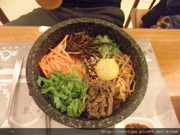 牛肉蔬菜石頭拌飯