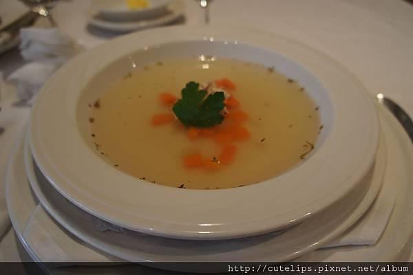 蔬菜雞絲清湯