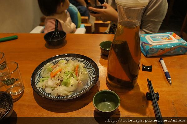 培根高麗菜&玄米竹炭茶