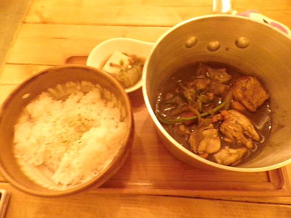 燉煮雞肉咖哩飯