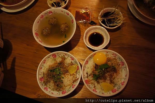 豆腐丸子湯、吻仔魚蛋酥拌飯&古早味拌飯