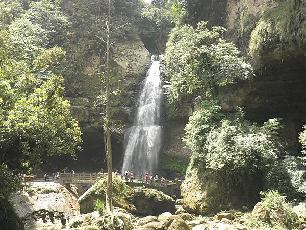 松瀧岩瀑布