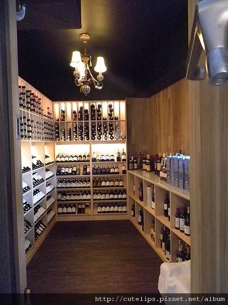 紅酒儲藏室