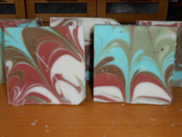 柱狀渲/綠珠光,紅礦泥,紫草根粉