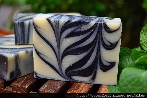 竹炭去粉刺豆漿皂