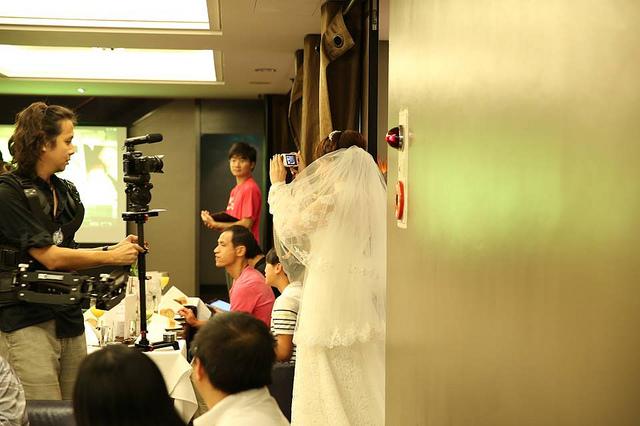 電影一鏡到底拍攝裝備-穿戴是穩定器