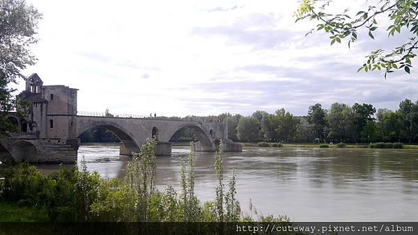 貝內澤斷橋