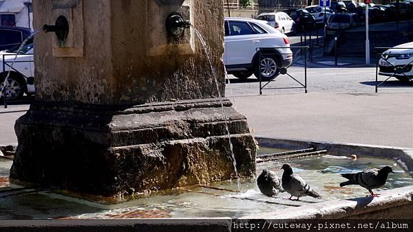 Aix噴泉散策