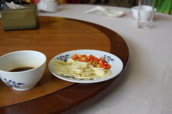 高棉-每桌都有的蒜頭辣椒