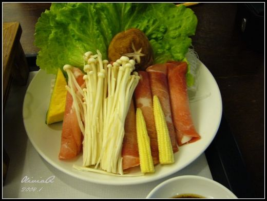 清水牛排館 麻辣腸旺豬肉火鍋