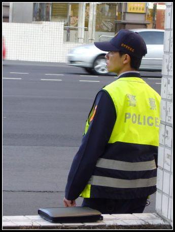 警察ㄅㄟ ㄅㄟ