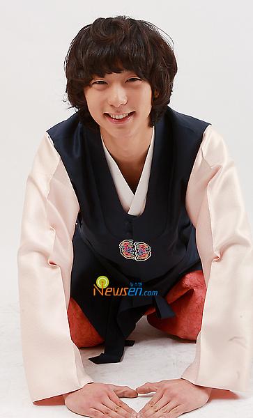 HyunWoo1.jpg