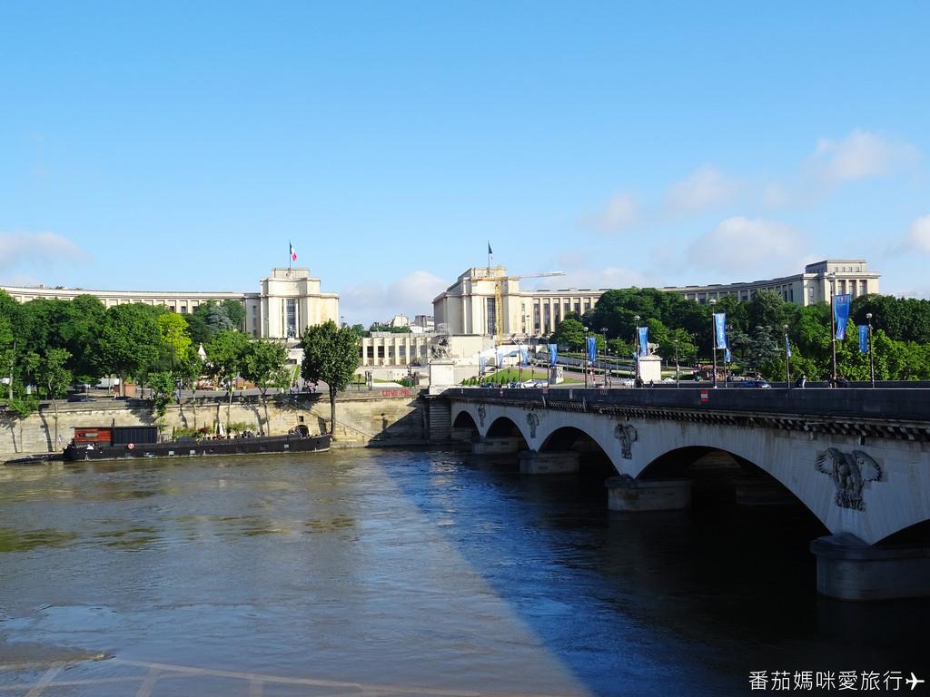 巴黎DAY2 巴黎鐵塔&凱旋門&聖心堂&聖母院&塞納河遊船 (9)