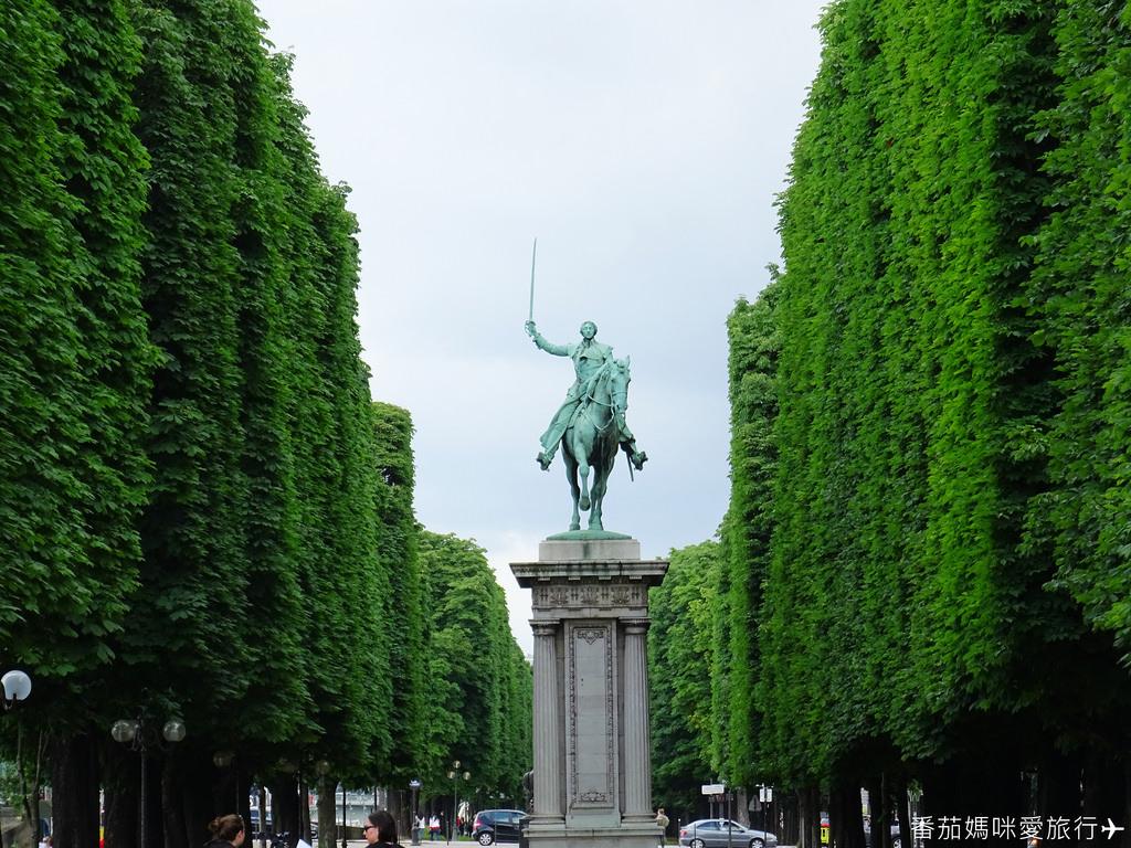 巴黎DAY2 巴黎鐵塔&凱旋門&聖心堂&聖母院&塞納河遊船 (65)