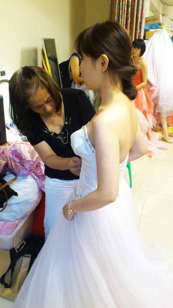 奧莉薇二手婚紗