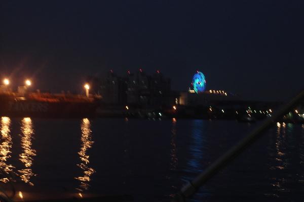 從高雄港看過去,別有一番風味
