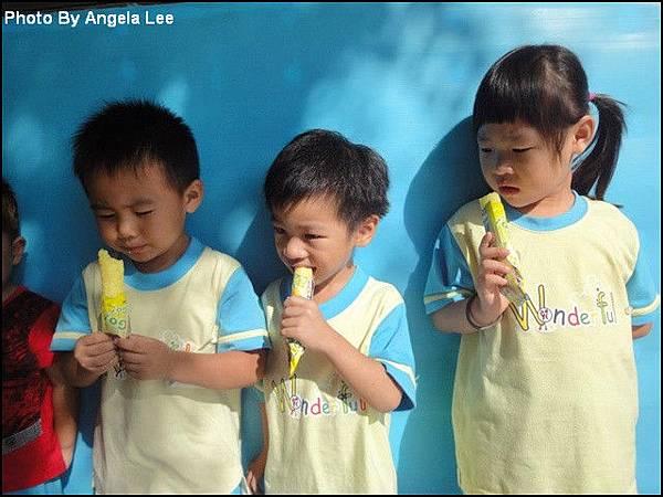 284639_品嚐玉米冰