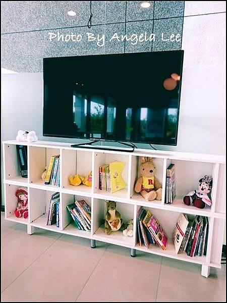 16-05-02-08-31-04-040_photo