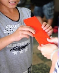 兒盟準備了紅包給孩子們.JPG