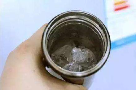 請注意!保溫杯千萬別裝這4種水!原來一直都用錯了!4.png