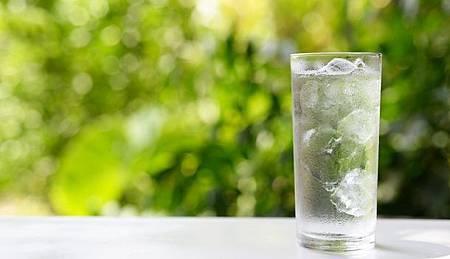 這3種狀況你該停止喝水3.jpg