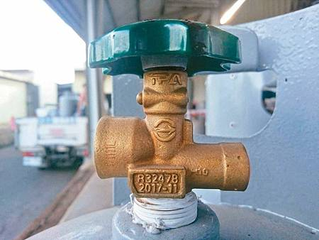 快檢查…瓦斯鋼瓶開關漏氣 流出10萬支2.jpg