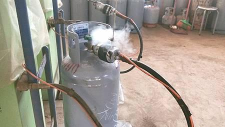 快檢查…瓦斯鋼瓶開關漏氣 流出10萬支3.jpg