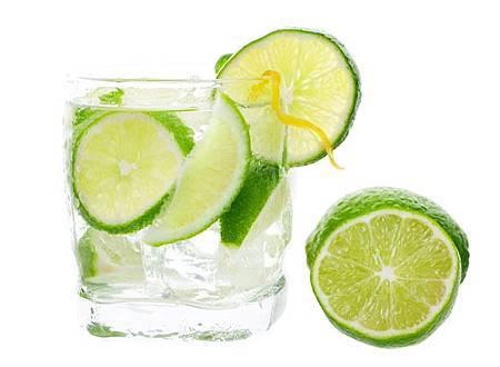 飯前喝水,五週減四公斤!連假後輕鬆甩油4招.jpg