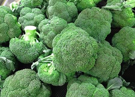 花椰菜暗藏超多蟲卵和細菌! 「這樣洗」髒東西自己跑出來.jpg