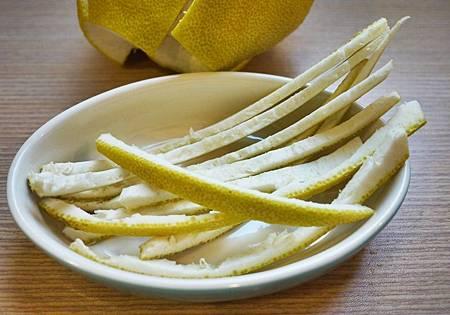 柚子皮的妙用製成洗碗精.jpg