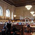 圖書館的主閱覽室,古色古香超有氣氛