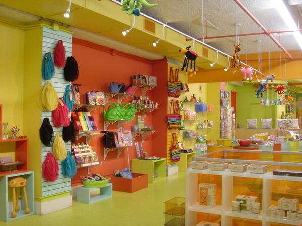 Pylones店內一角,好像玩具店