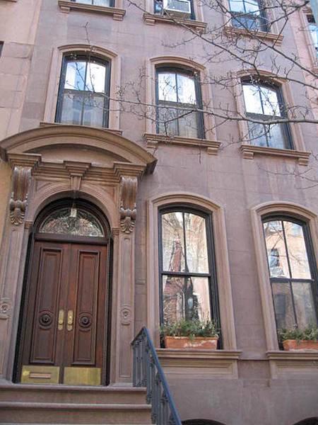 Perry街66號,慾望城市女主角凱莉劇中的家