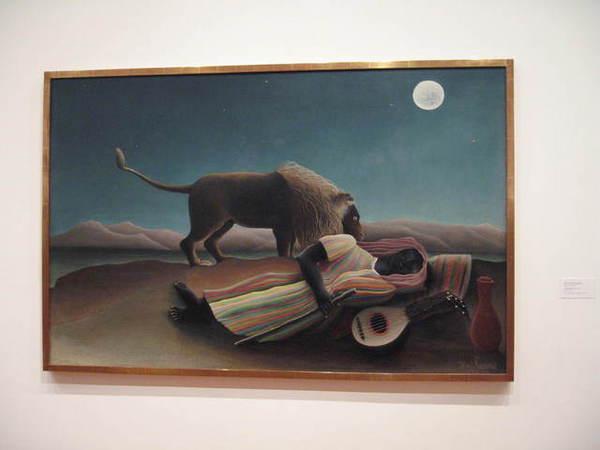 還有這位著名的吉普賽女郎在獅吻下睡大覺