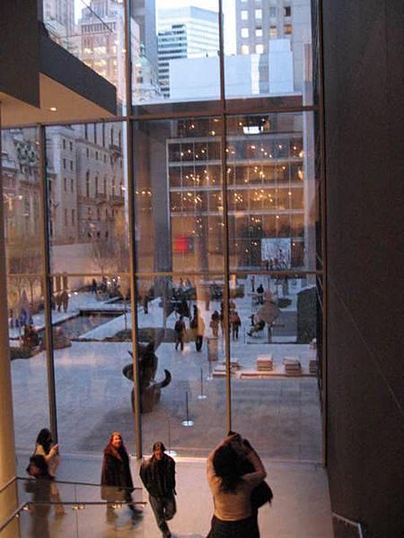 但我最喜歡的還是MOMA本身的空間設計