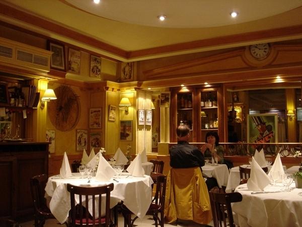巴黎旅館老闆推薦的餐廳,蠻不錯的