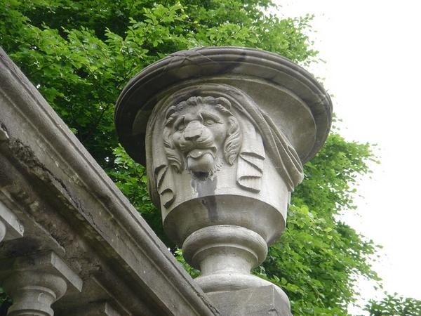 布魯塞爾皇宮城牆上的雕飾