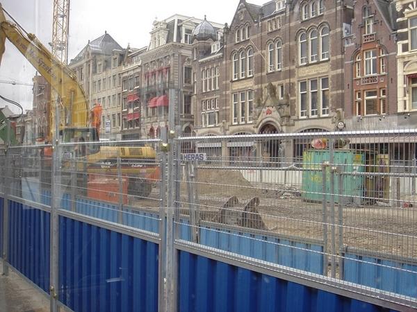 不懂為什麼阿姆斯特丹到處都施工中