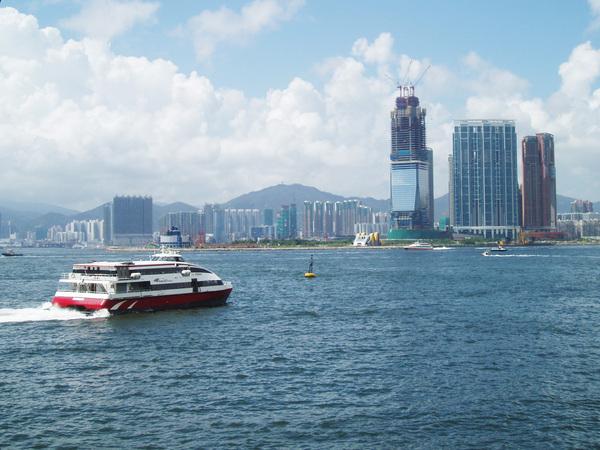 中環遠眺港口的海景